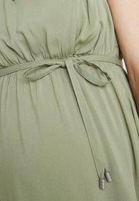 MAMALICIOUS - MLRONJA MARY DRESS - Hverdagskjoler - oil green - 6