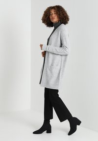 Zalando Essentials - Cardigan - mottled light grey - 1