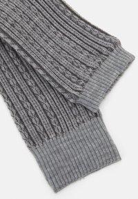 Falke - CHAIN STITCH - Leg warmers - light grey - 2