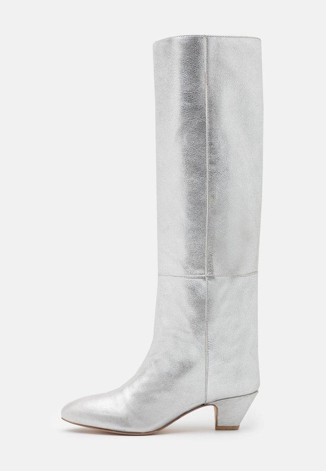 HIPPIE BOOT - Stivali alti - silver