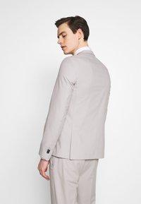 Viggo - NEW GOTHENBURG SUIT - Suit - silver grey - 3