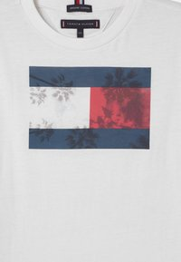 Tommy Hilfiger - PHOTOPRINT  - T-shirts print - white - 2