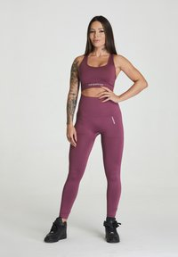 carpatree - SEAMLESS LEGGINGS MODEL ONE - Trikoot - burgundy - 1