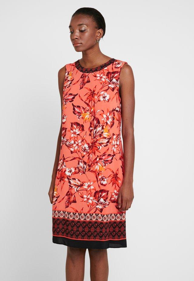 FLORAL LINEAR PINNY - Sukienka letnia - coral