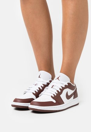AIR 1 - Sneakers laag - white/bronze eclipse