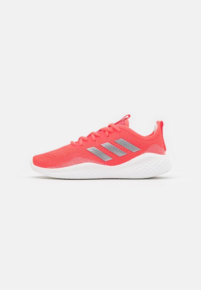 FLUIDFLOW - Neutrální běžecké boty - signal pink/silver metallic/semi solar red