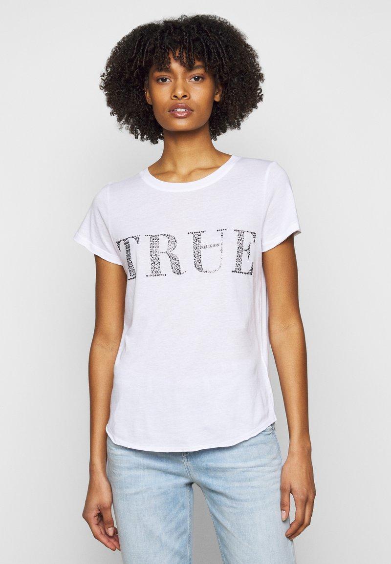True Religion - BOXY CREW - Triko spotiskem - white