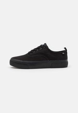 SKATE OXFORD - Sneaker low - full black