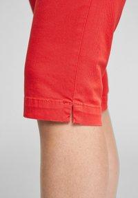 Q/S designed by - Short en jean - red - 4
