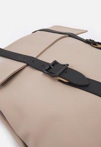 Spiral Bags - CROWN - Mochila - stone - 5
