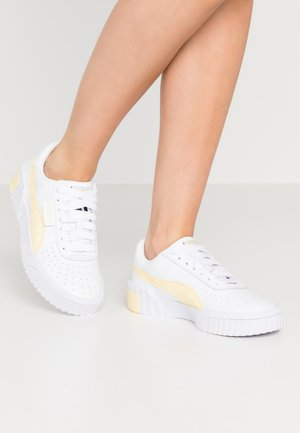 CALI - Sneakers laag - white/pastel yellow