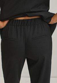 Massimo Dutti - Pantalon classique - black - 5