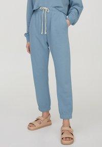 PULL&BEAR - Pantaloni sportivi - blue - 0