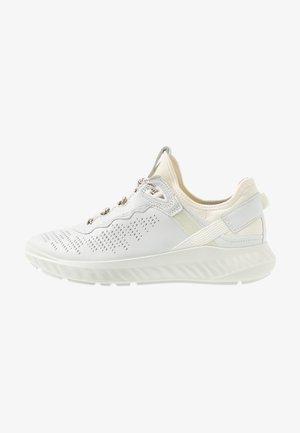 ST.1 LITE - Trainers - white
