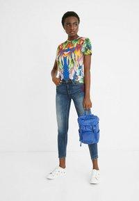Desigual - Print T-shirt - blue - 1
