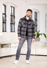 TOM TAILOR - JOSH - Straight leg jeans - grey denim - 4