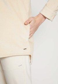 TOM TAILOR DENIM - SHIRT JACKET - Summer jacket - blazed beige - 6