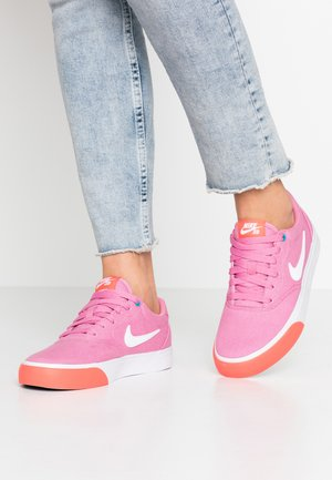 CHARGE - Sneakers laag - magic flamingo/white/magic ember/laser blue