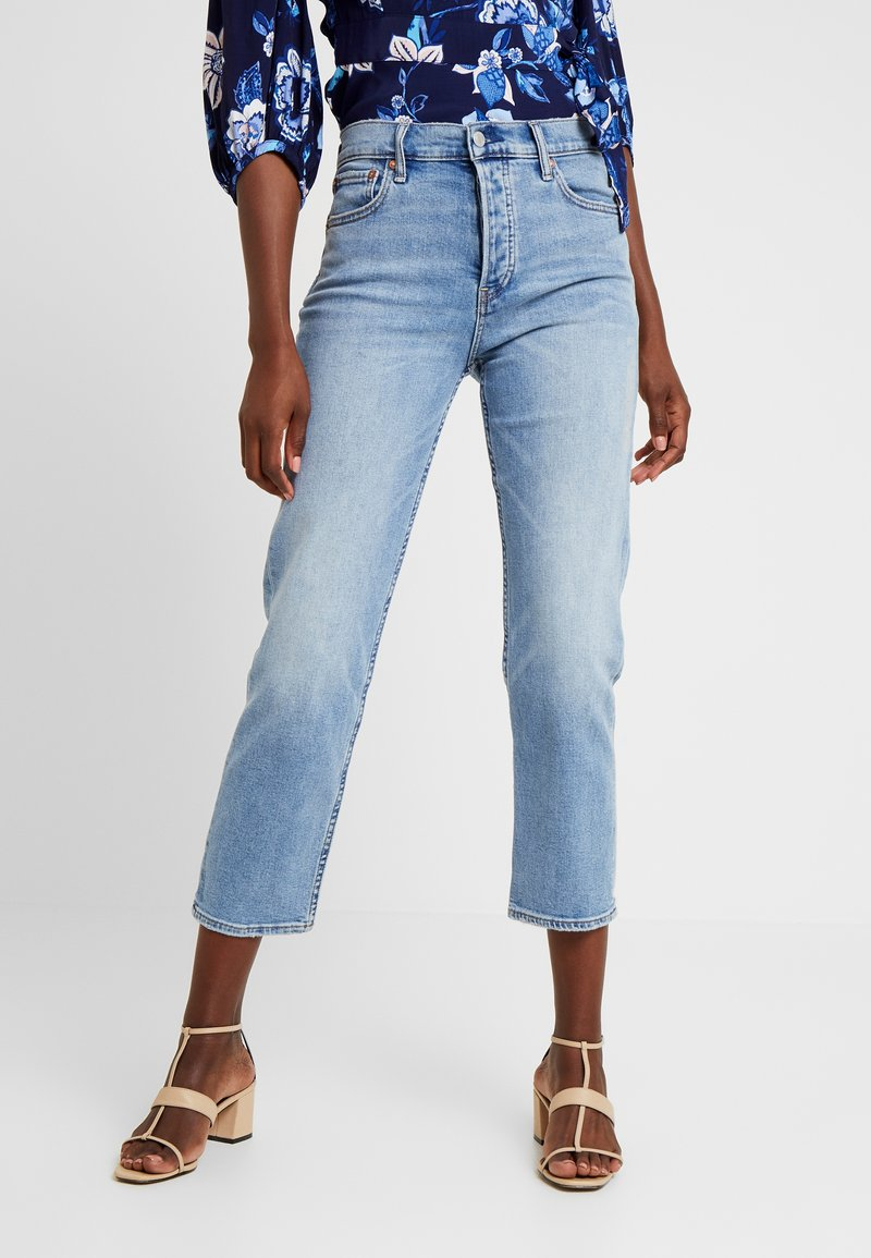 GAP - CHEEKY BLEECKER SHADOW - Straight leg jeans - light-blue denim