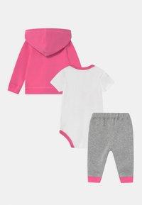 Converse - HOODIE SET - Baby gifts - pink - 1