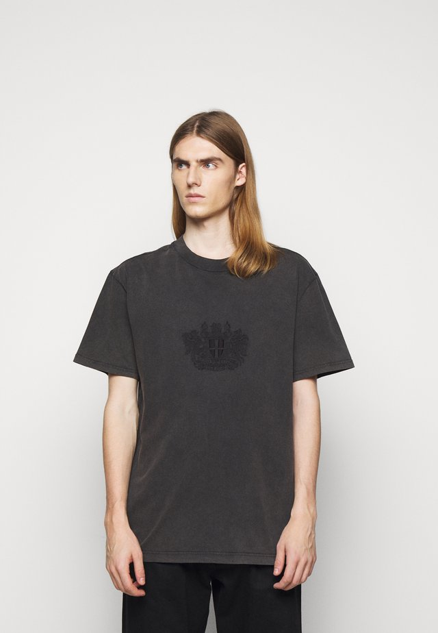 BOXY TEE - T-Shirt print - faded dark grey