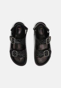 maje - FIAMABUCKLE - Sandals - noir - 3