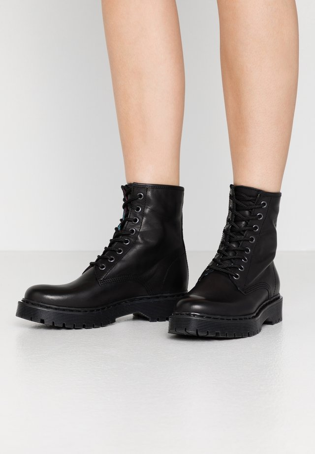 BERMONT - Platåstøvletter - black