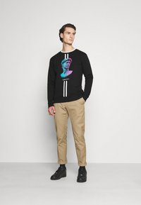 CLOSURE London - LINEAR STATUE CREWNECK - Sweatshirt - black - 1