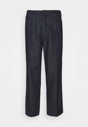 X FELIX PLEATED PANT - Jeans a sigaretta - dark blue denim