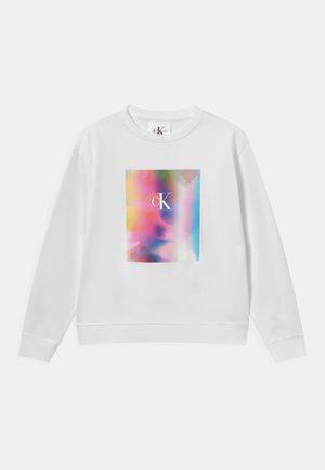 PRIDE RELAXED GRAPHIC UNISEX - Sweatshirt - white