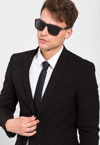 Emporio Armani - Sunglasses - black/grey - 0