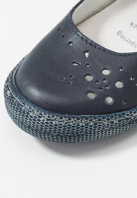 Primigi - Baleríny s páskem - blue - 2