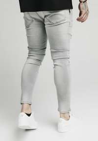 SIKSILK - DISTRESSED  WITH ZIP DETAIL - Jeans Skinny Fit - grey - 4