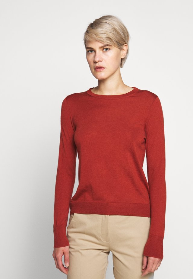 MARGOT CREWNECK - Strikkegenser - rock red