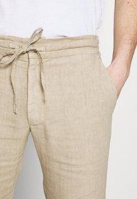 120% Lino - TROUSERS - Trousers - sundune - 5