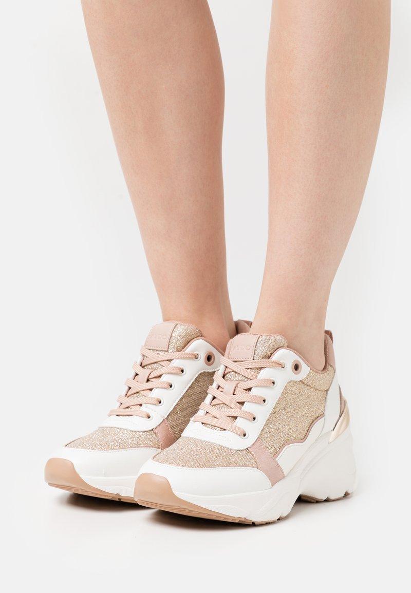 ALDO - DARDOVIEL - Sneaker low - rose gold