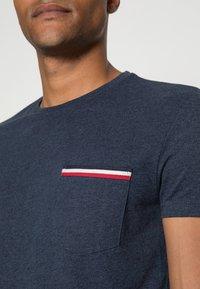 Pier One - Basic T-shirt - mottled dark blue - 4