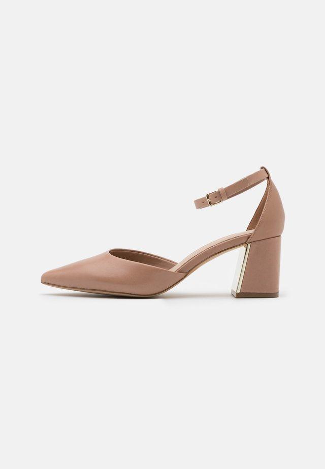 GRYMA - Classic heels - bone