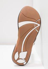 Reef - MISS J-BAY - Sandály s odděleným palcem - white/tan - 6