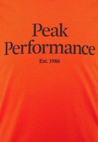 Peak Performance - ORIGINAL TEE - Printtipaita - super nova - 2