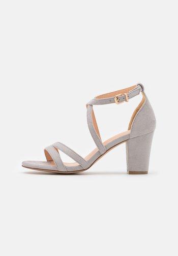 Sandaler - light grey