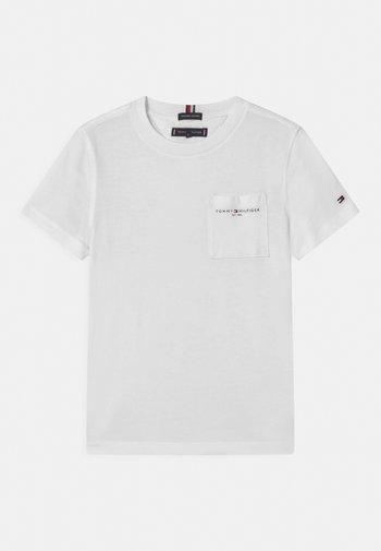 ESSENTIAL POCKET  - T-shirts - white
