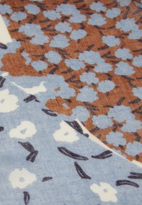 PARFOIS - PRINTED SCARF MODERN FLOWERS - Skjerf - blue - 2