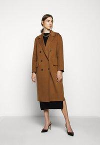 WEEKEND MaxMara - TORBOLE - Classic coat - karamell - 0