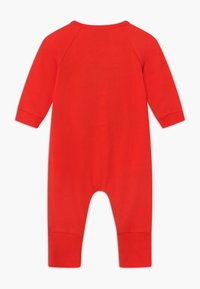 MOSCHINO - BABYGROW GIFT BOX - Overal - poppy red - 1