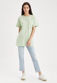 DeFacto - Camiseta básica - mint - 1