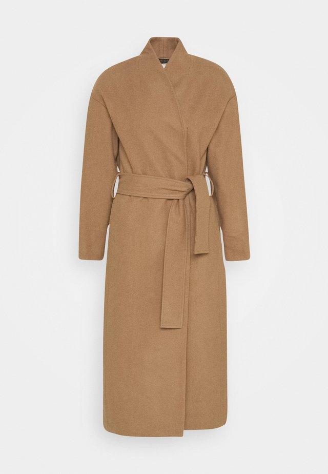 ZAHRA COAT - Zimní kabát - camel