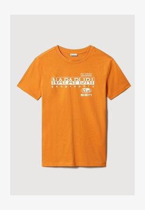 T-shirt med print - desert ocra