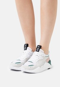 Puma - RS-X REINVENT - Trainers - white/blue spruce - 0