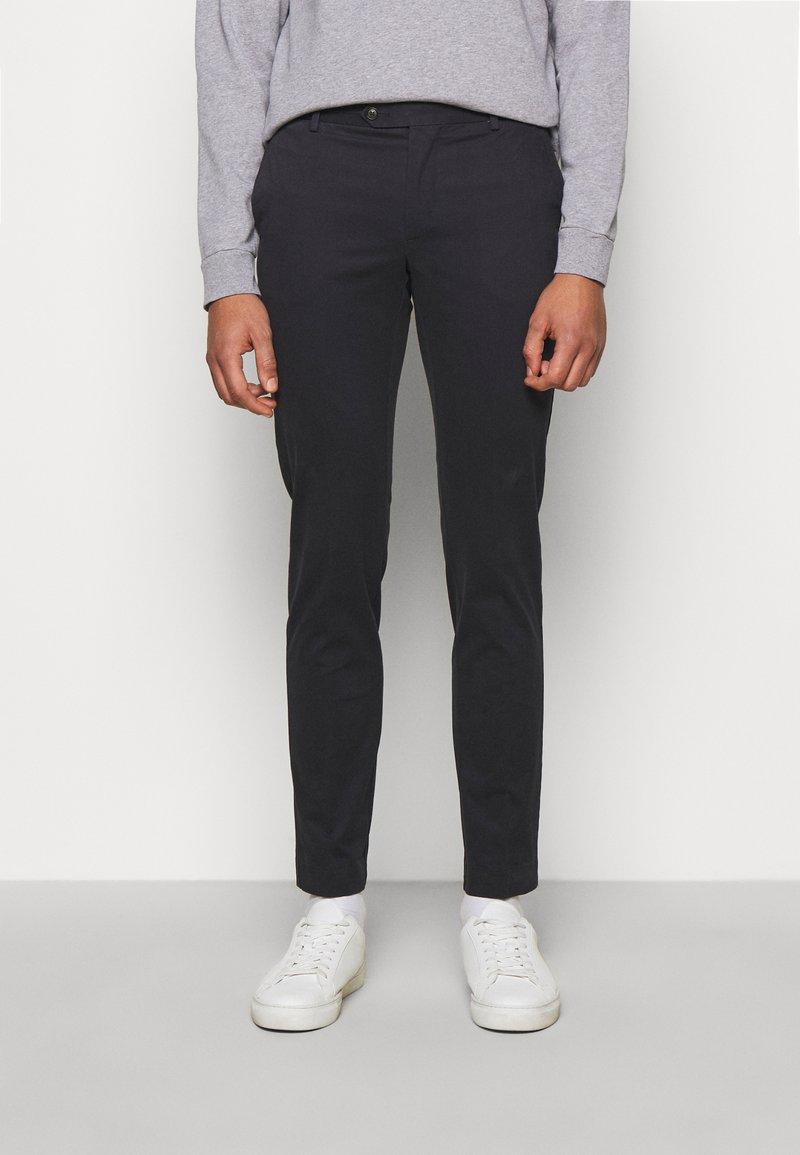 Hackett London - KENSINGTON SLIM - Chino kalhoty - navy